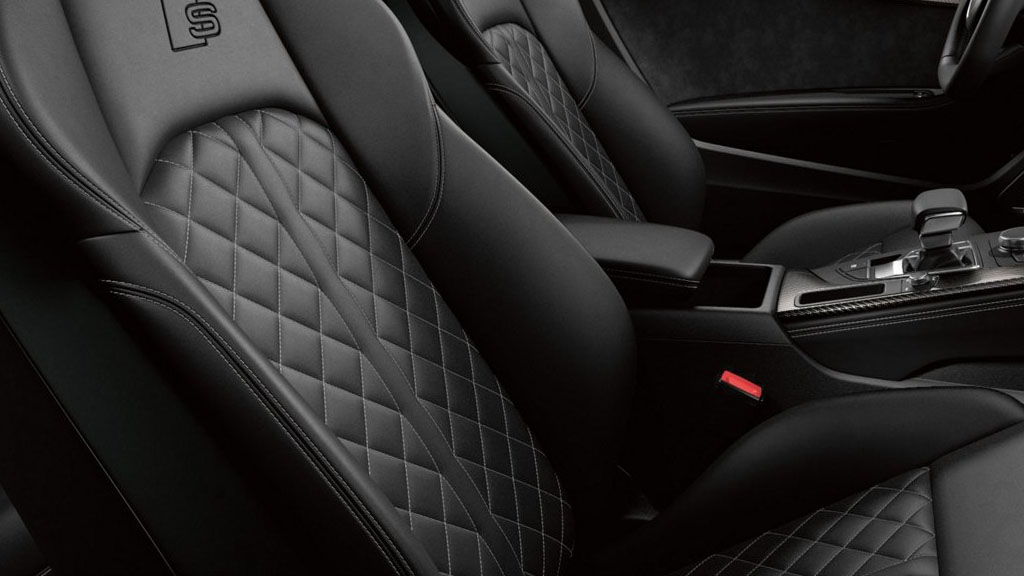 2019 Audi S5 Coupe interior