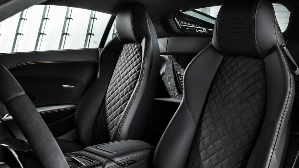 2020 Audi R8 Coupe interior