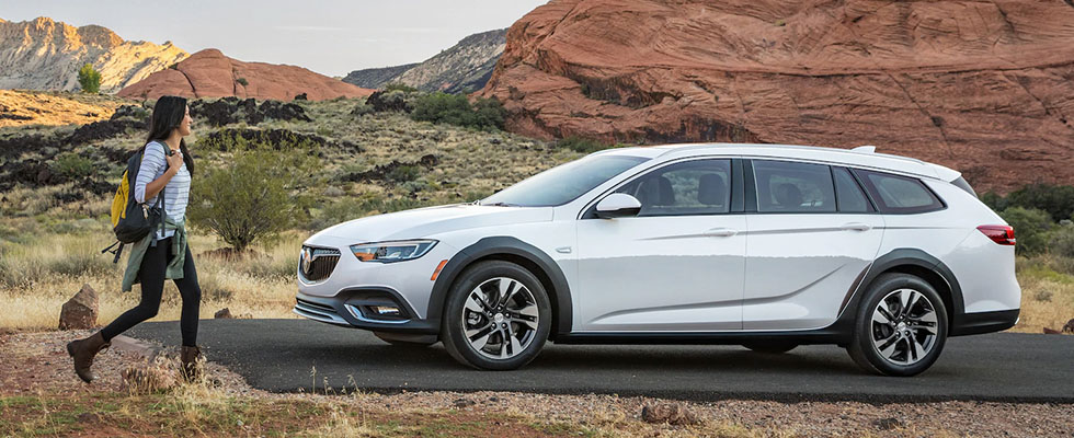 2019 Buick Regal TourX Main Img