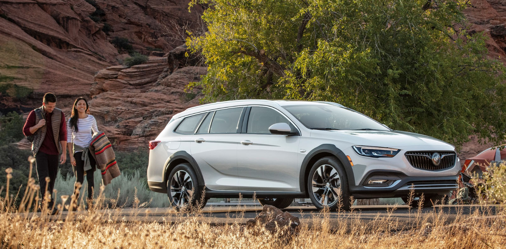 2020 Buick Regal TourX Main Img