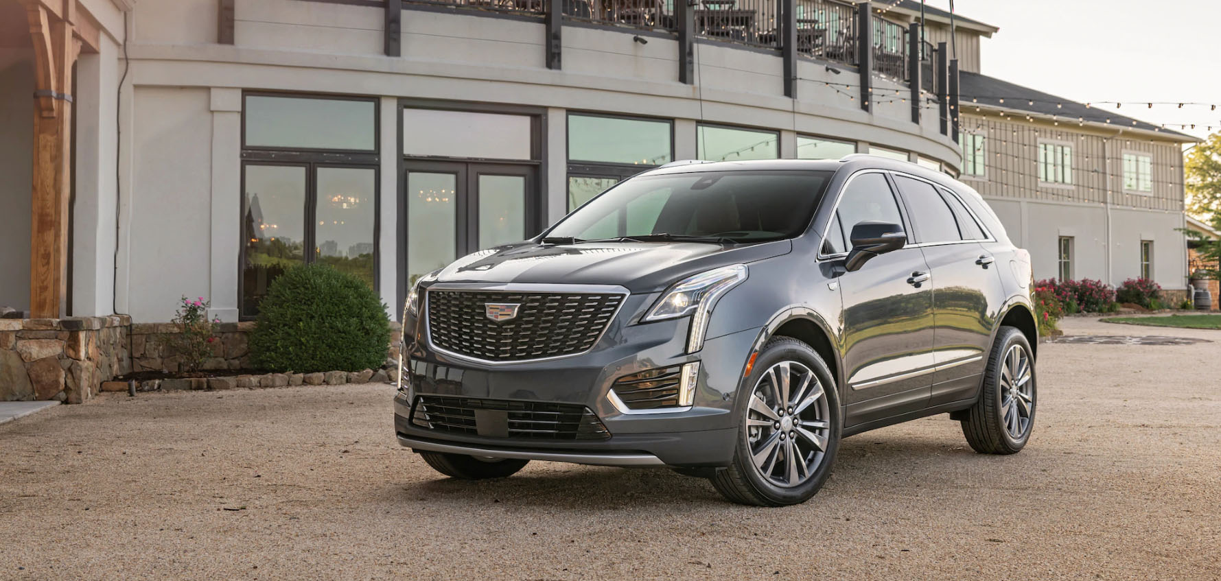 2020 Cadillac XT5 Safety Main Img