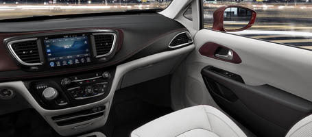 2017 Chrysler Pacifica Hybrid comfort