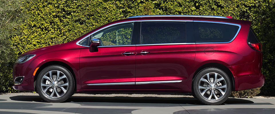 2017 Chrysler Pacifica Appearance Main Img