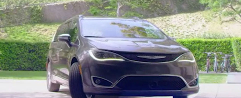 2018 Chrysler Pacifica Hybrid Safety Main Img