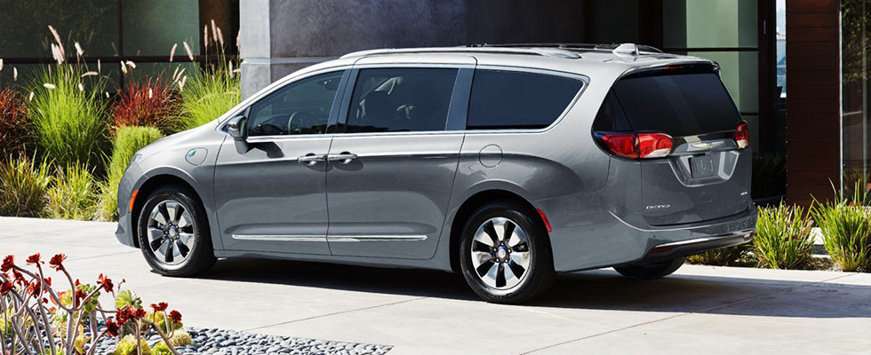 2019 Chrysler Pacifica Hybrid Safety Main Img