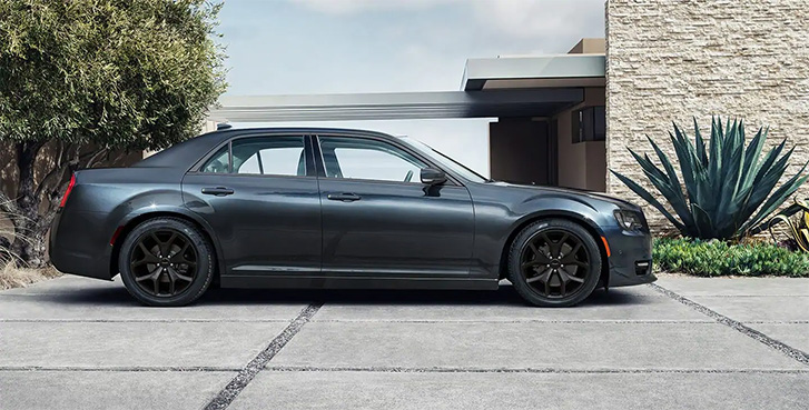 2021 Chrysler 300 appearance