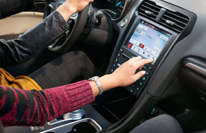 Voice-Activated Touchscreen Navigation System with SiriusXM Traffic and Travel Link