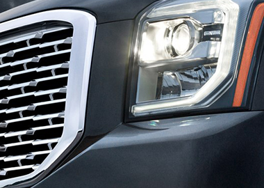 2019 GMC Yukon Denali (HID) projector-beam headlamps