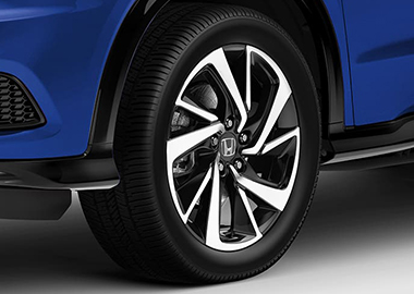 2019 Honda HR-V Crossover 18-inch Sport-exclusive alloy wheels