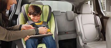 2019 Honda Odyssey Magic Slide 2nd-Row Seats