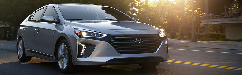 2018 Hyundai Ioniq Hybrid Safety Main Img