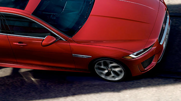 2020 Jaguar XE performance