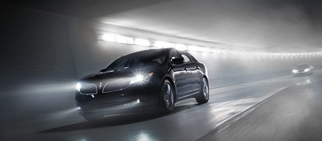 2015 Lincoln MKS performance