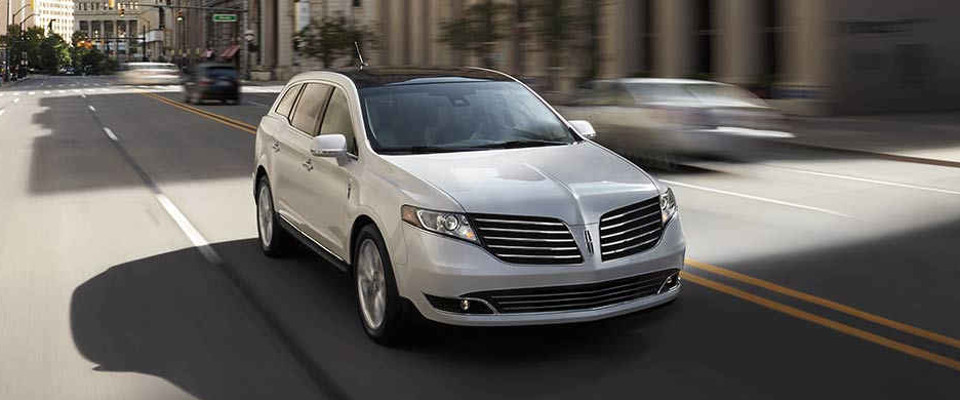 2017 Lincoln MKT Appearance Main Img