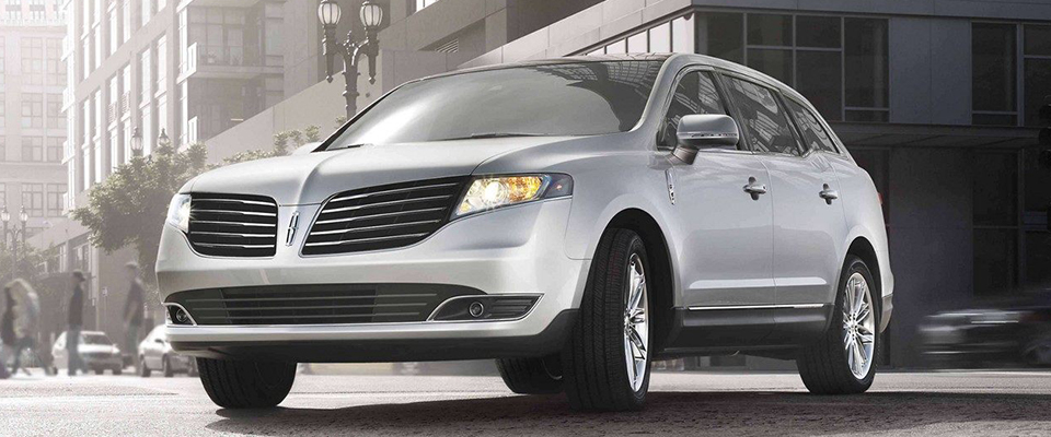 2019 Lincoln MKT Appearance Main Img