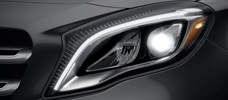 2018 Mercedes-Benz GLA SUV LED headlamps