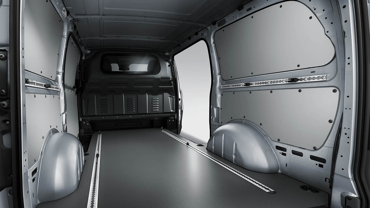 Mercedes-Benz Metris Worker Cargo Van  Interior