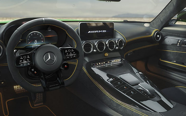 2020 Mercedes-Benz AMG GT R Coupe comfort