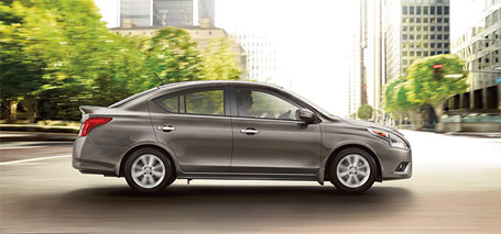 2015 Nissan Versa Sedan performance