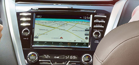 2016 Nissan Murano touch-screen