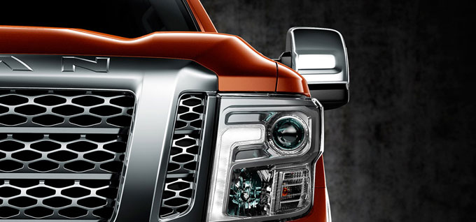 2016 Nissan Titan Lights