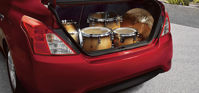 2016 Nissan Versa Sedan storage space