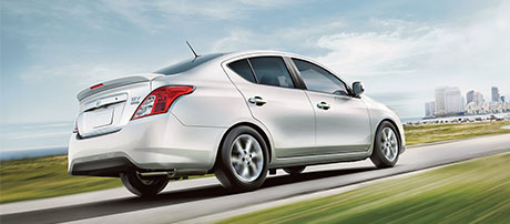 2018 Nissan Versa Sedan performance