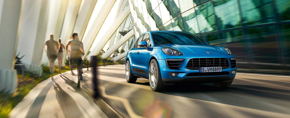 2015 Porsche Macan Safety Main Img