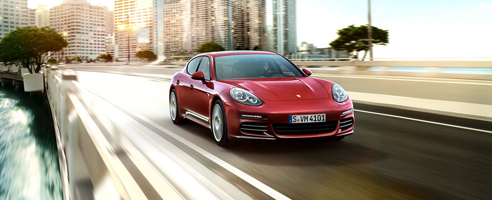 2016 Porsche Panamera Safety Main Img