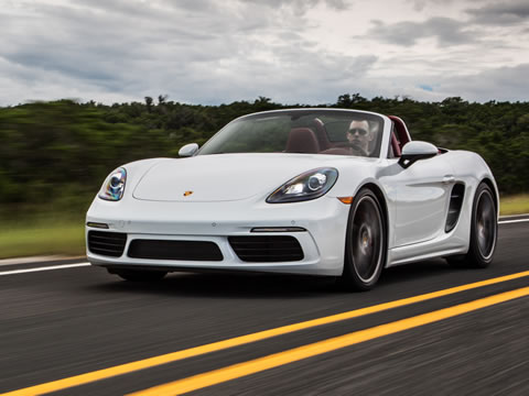 Optional Porsche Torque Vectoring (PTV) improves traction and agility