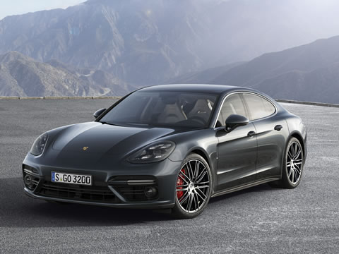 Central turbo layout – a design trait of both Panamera engines