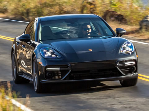 The new 2.9-liter engine in the Panamera 4S