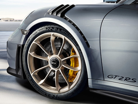 2018 Porsche 911 GT2 RS safety
