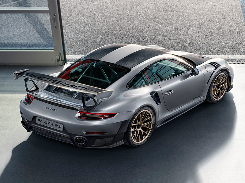 911 GT2 RS engine