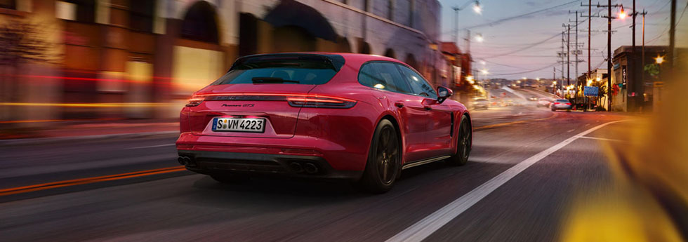 2019 Porsche Panamera GTS Safety Main Img