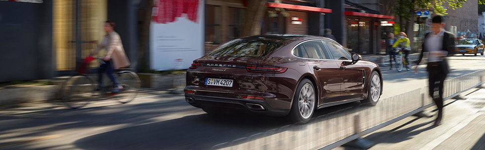 2019 Porsche Panamera Safety Main Img