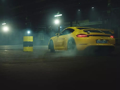 2020 Porsche 718 Cayman GT4 performance