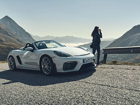 2020 Porsche 718 Spyder safety