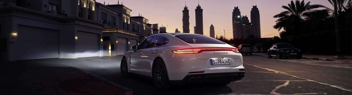2021 Porsche Panamera Safety Main Img