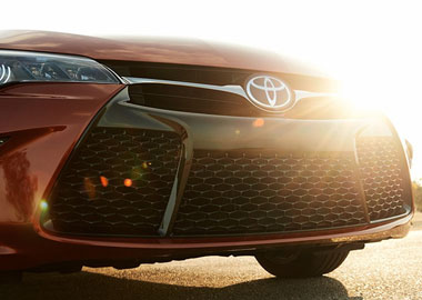 2015 Toyota Camry Hybrid grille