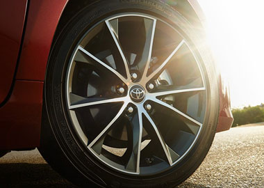2015 Toyota Camry alloy wheels
