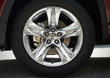 2015 Toyota Highlander Hybrid wheels