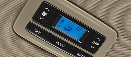 2015 Toyota Sienna climate control