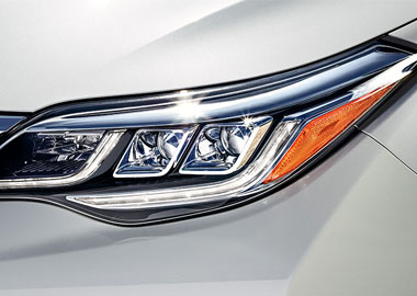 2016 Toyota Avalon LED headlights