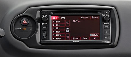 2016 Toyota Yaris CD player with HD Radio