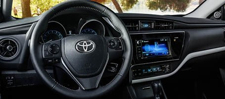 2017-Toyota-Corolla-iM Piano-Black Accents and Fluid Dashboard