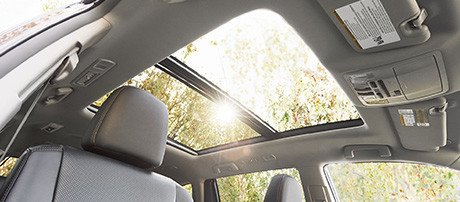 2017-Toyota-Highlander Panoramic Moonroof