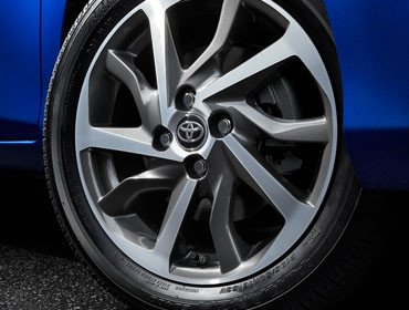 16-in. Machined Alloy Wheels
