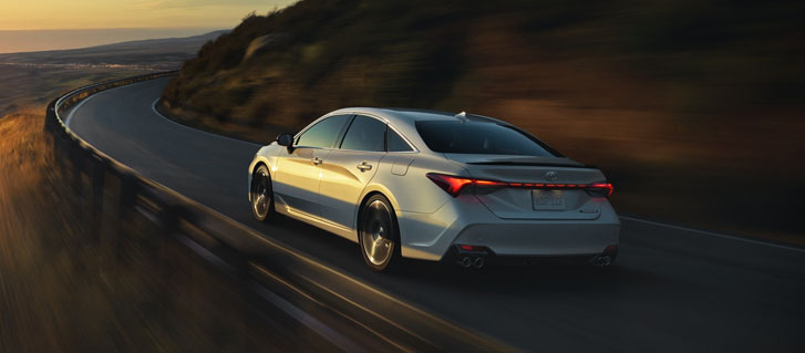 2020 Toyota Avalon Hybrid performance