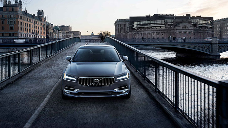 2019 Volvo S90 performance